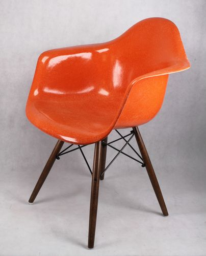 Original Charles Eames Herman Miller Armchair - Fiberglas, orange